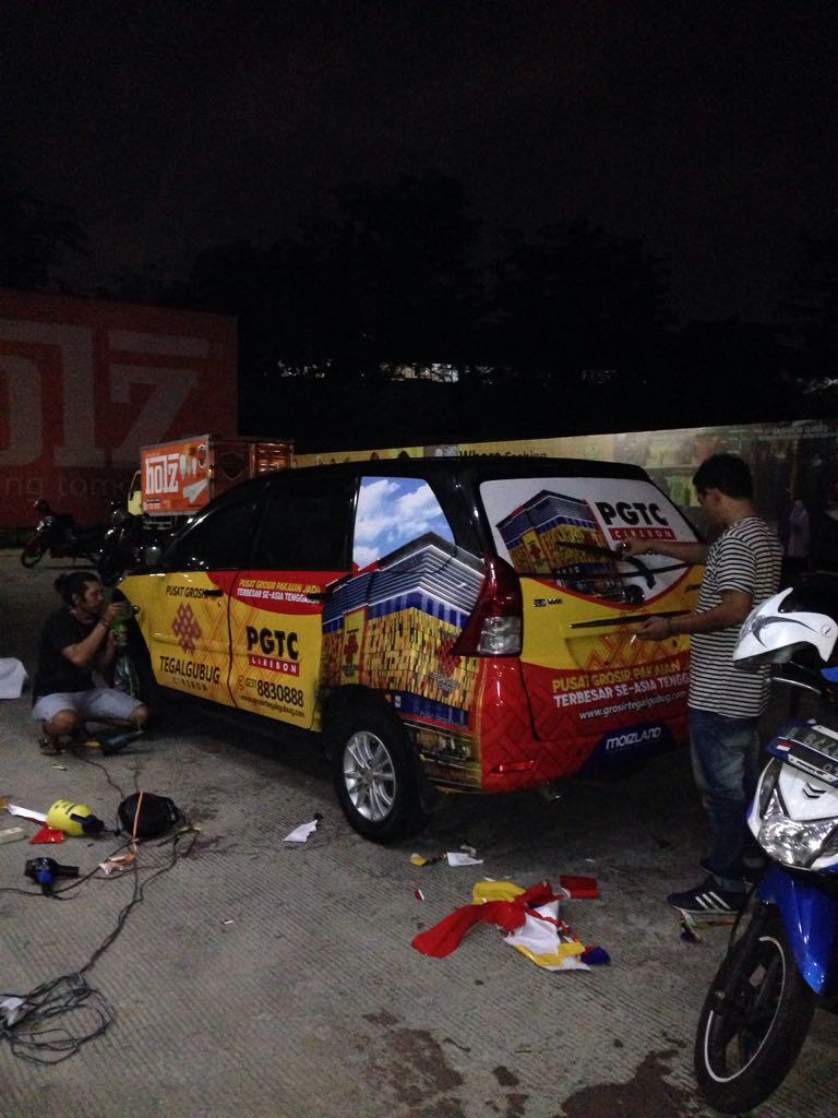 PEMASANGAN CAR BRANDING, STICKER DI AREA JAKARTA